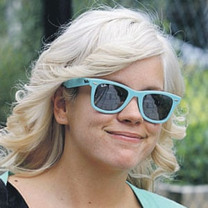 Sunglasses: Lily Allen wearing coloured Ray-Ban Wayfarers