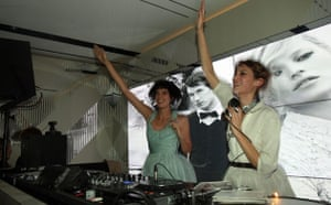 Burberry: Agyness Deyn and Alexa Chung DJing at the Burberry afterparty