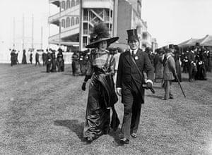 Ascot fashion: Royal Ascot in 1910