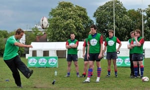 Jonny Wilkinson runs a training session