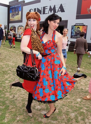 Vintage at Goodwood: Two women
