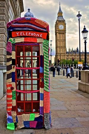 Knit the City: Phone Box Cosy