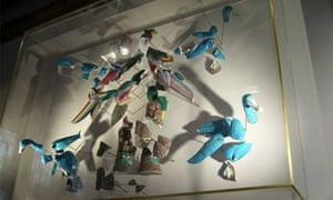 London fashion week: Exploding china ducks at Roland Mouret