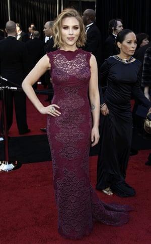 Oscars: Scarlett Johansson on the Oscars red carpet