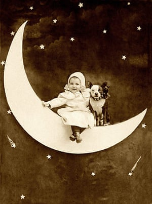 Vintage dogs: Paper moon