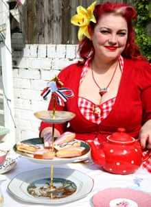 How To Make A Vintage Cake Stand Life And Style The