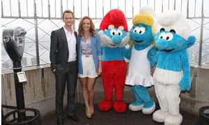 Neil Patrick Harris and Jayma Mays pose with Smurfs
