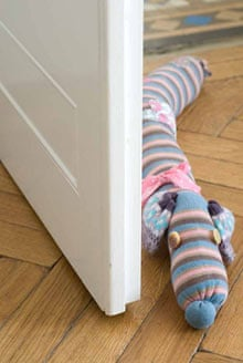 Sausage-dog draught excluder