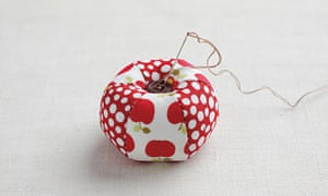 Apple pin cushion step 4