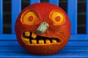 Readers' Halloween: Hooter pumpkin