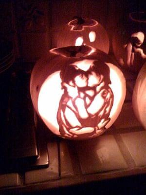 Readers' Halloween: Policeman pumpkin