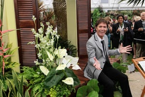 Chelsea flower show: Cliff Richard