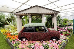 2012 Chelsea flower show: A flower-covered Mini