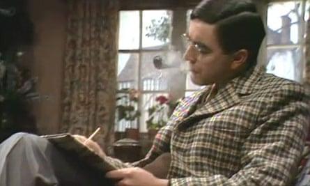 John Alderton as George Mulliner in the BBC's Wodehouse Playhouse