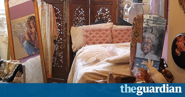 Arthaus exhibition art meets interior design in for S h bedroom gallery