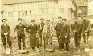 Great Dixter: The team of gardeners at Great Dixter, 1911