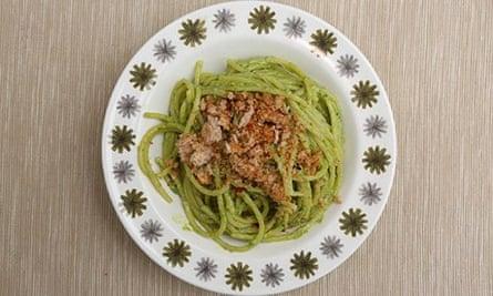Jack Monroe's kale pesto pasta