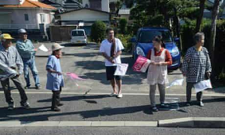 Spectators are the Grand Tour Kyushu ekiden.