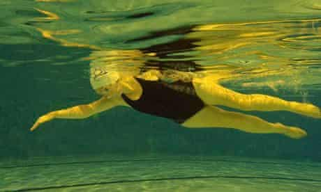 Johanna Derry swims using the Immersion Technique.