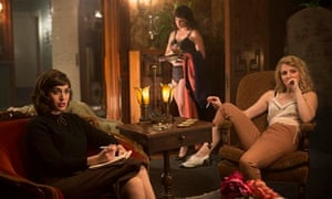 Lizzy Caplan as Virginia Johnson and Annaleigh Ashford as Betty in Masters of Sex.
