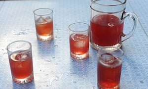 drinks spiced cranberry punch