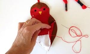 how to make a felt robin