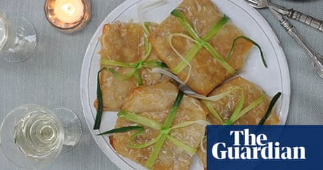 Vegan filo parcels with leeks and mushrooms in a white wine sauce