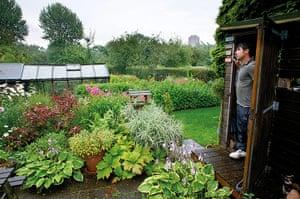 My Cool Allotment: Ali Abdulla at Edgbaston Guinea Gardens