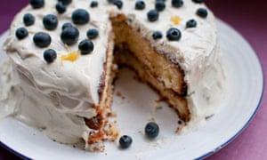 Limoncello, lemon and blueberry cloud-cake