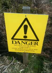 Dunwich cliffs danger sign
