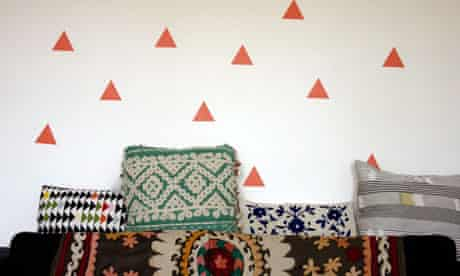 Triangle decals from UW Decals are on Hannah Bullivant's lounge walls