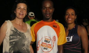 Lisa, Tiffa Easmon-George (from London) and local runner Nas in Sierra Leone for the marathon