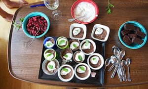 Veggie runners chilli chocolate pots