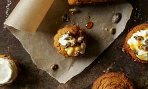 10 best squash: Gluten-free pumpkin cakes with caramel cream cheese icing