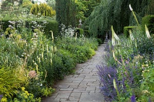 The New English Garden In Pictures Life And Style The Guardian
