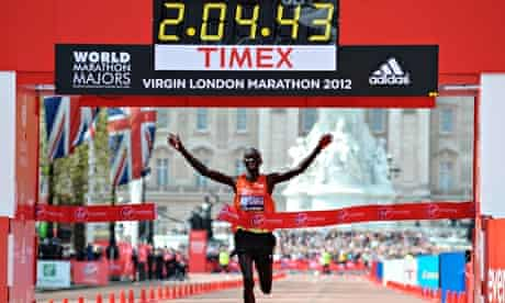 Wilson Kipsang crosses the line in the London Marathon