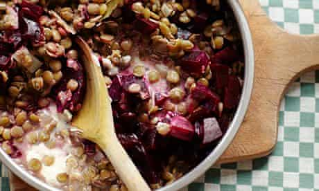 Green lentil risotto with beetroot