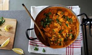 b2b curry in a pot