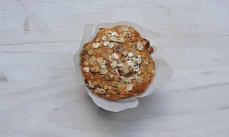 Raisin cinnamon muffins
