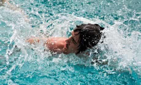 What a drag … swimming with the head out of the water creates high resistance.