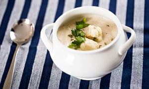 Jack Monroe's roasted cauliflower, garlic and fennel soup