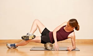 foam rolling the gluteus muscles