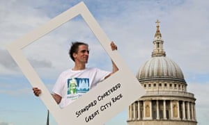 Noel Thatcher helps launch the Standard Chartered Great City Race