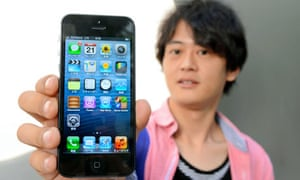 iPhone 5 Goes On Sale In Tokyo