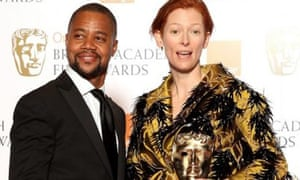 Tilda Swinton takes Bafta for best supporting actress for 'Michael Clayton', presented by Cuba Gooding Jr