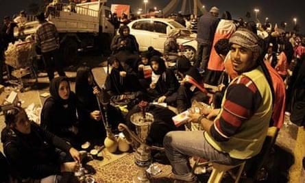Bahraini anti-government protesters gath