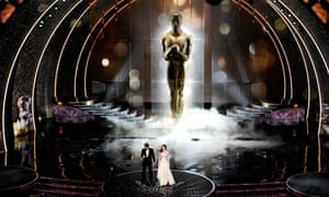 Oscars – James Franco and Anne Hathaway