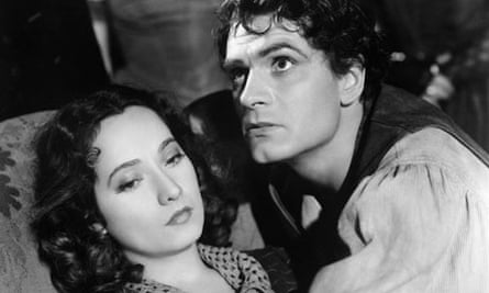Wuthering Heights film: Merle Oberson and Laurence Olivier