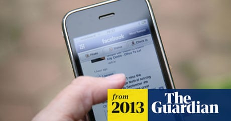 Facebook: four out of five daily users log on via smartphone or tablet