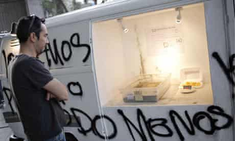 Exhibition of the ashes of Chilean student loan papers burned by artist Francisco Tapia